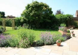 Town Garden by Gardens 2 Design, Beaconsfield