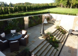 Sophisticated Sunken Garden by Gardens 2 Design, Beaconsfield